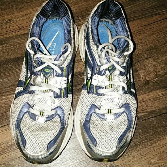 Brooks Shoes | Defyance 5 Size 9 Narrow